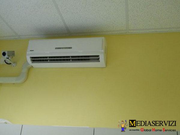 Canalina e tubazioni per installazione climatizzatore 3