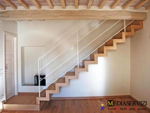Scala interna in legno 2