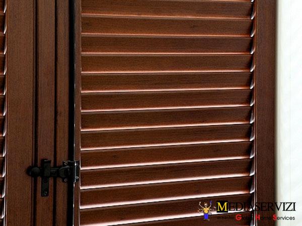 Fornitura persiana legno e ferro 2