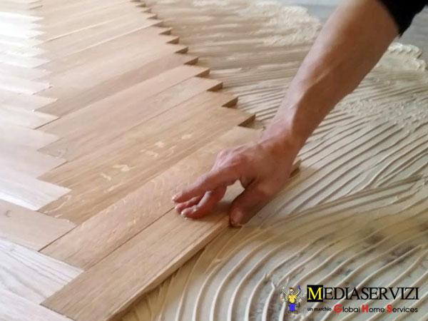 Posa di Parquet Incollato, di qualsiasi dimensione e tipologia di legno 2