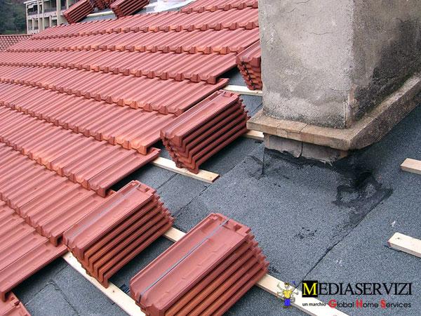 Riparazione tetto e sostituzione tegole 1
