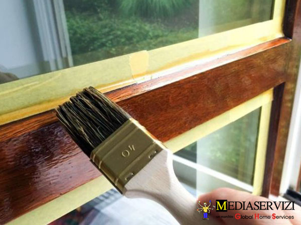 Verniciatura finestre e persiane 3